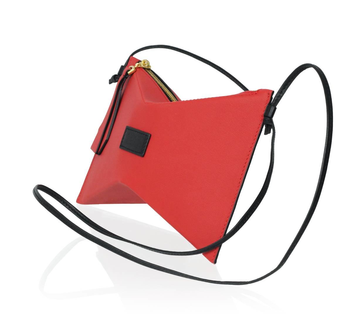 1Papillon - Rouge cerise et noir intense (1)